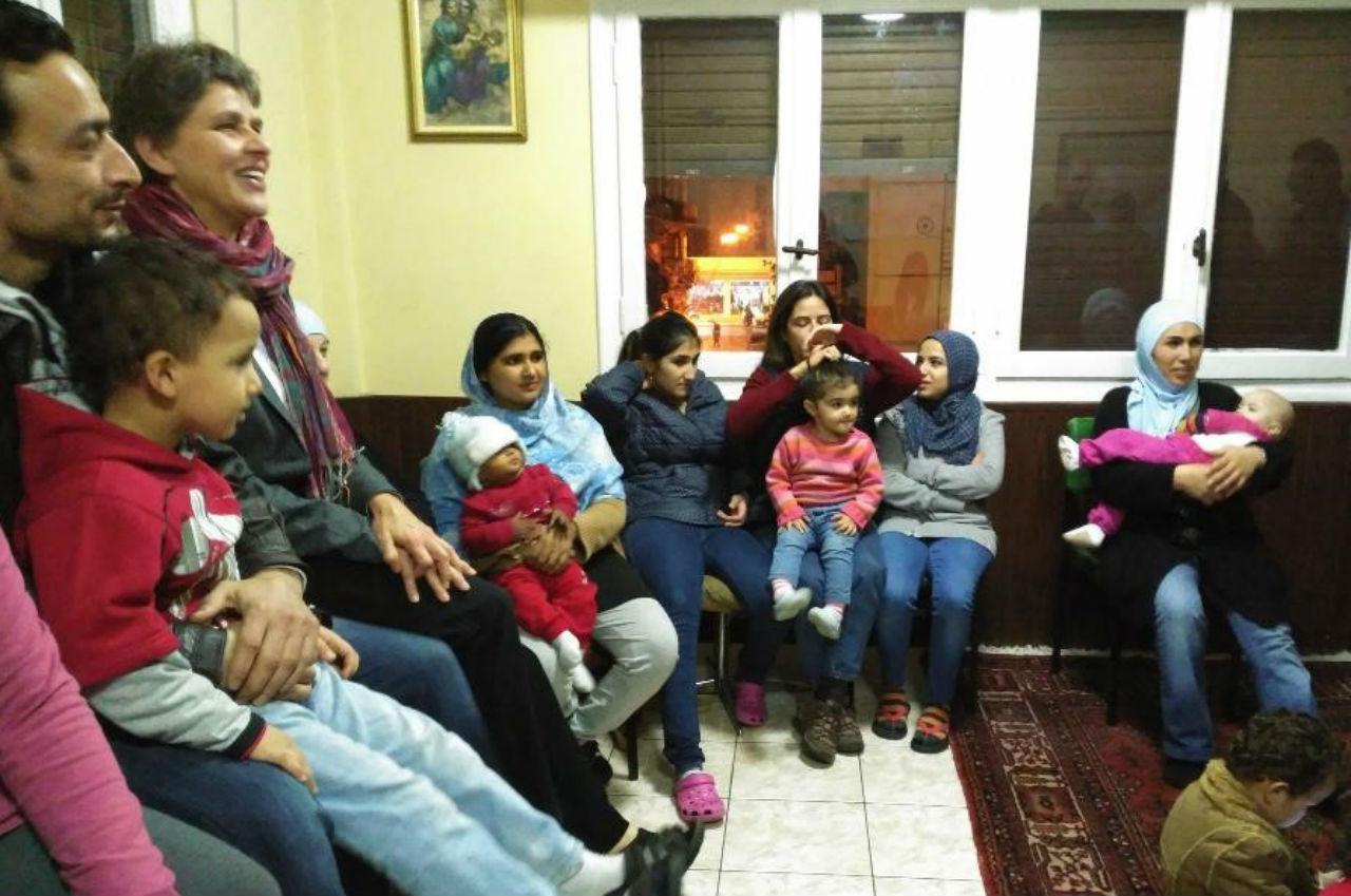 У єзуїтському центрі для біженців разом з родинами