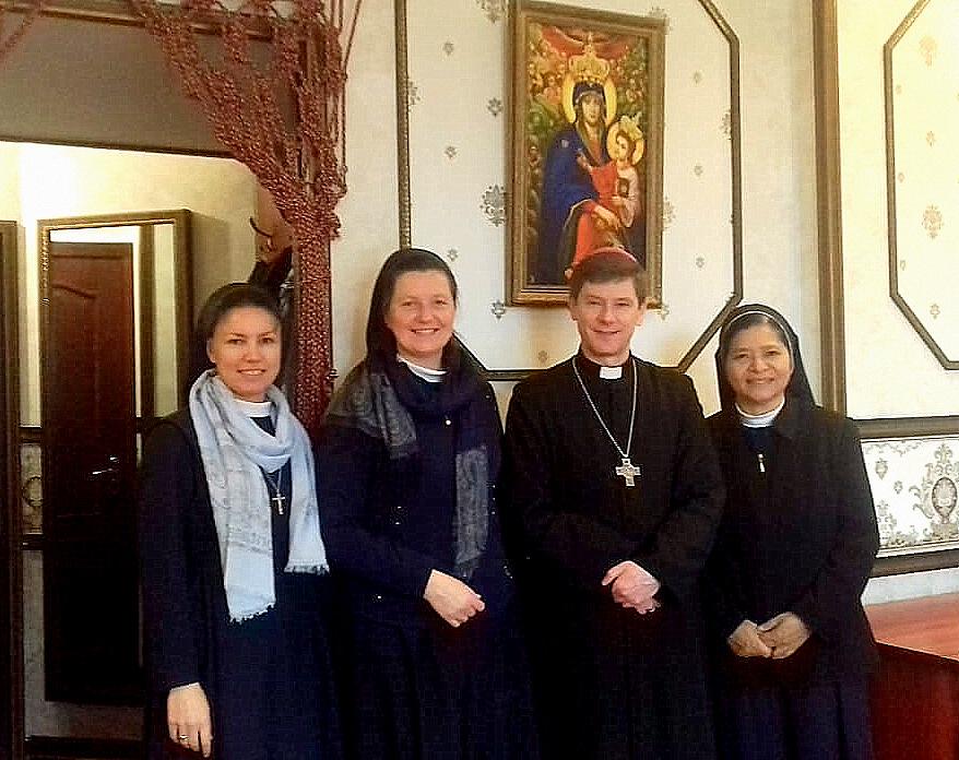 С. Мікаелін Бупу SSpS з Риму на зустрічі з єпископом Віталієм Кривицьким