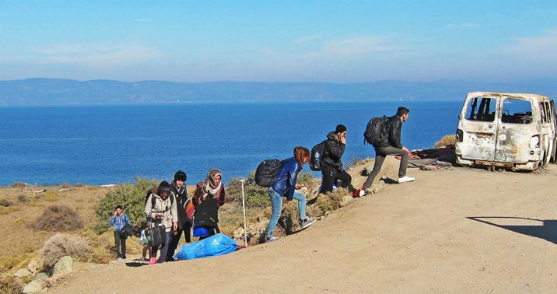 Тисячі людей ризикують життям, щоб перетнути море та дістатись до Європи
